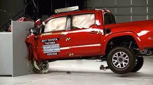 Toyota Tacoma Double Cab small crash test 2017 - YouTube