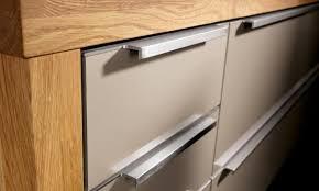 cost to fit kitchen door handles