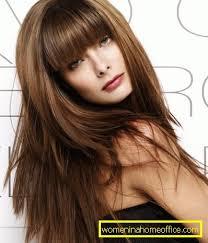 Střih Na Dlouhé Vlasy S Třeskymi účesy Pro Dlouhé Vlasy ženský