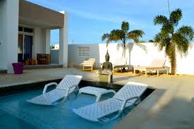 photo page  hgtv for poolside beds  interior exterior design ideas