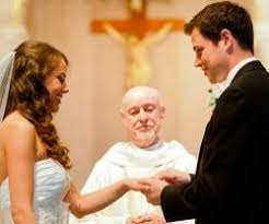pocas bodas catolicas en iglesia