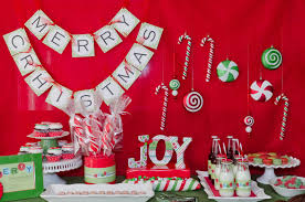 christmas banquet table centerpieces. Christmas Party Decoration Ideas #christmasdecorations #christmastreats #diychristmasornaments #christmaswreath #christmasideas #xmasdecorations Banquet Table Centerpieces M