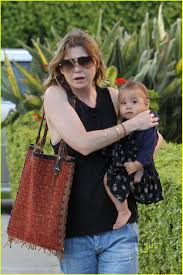 Ellen Pompeo Husband Ellen Pompeo Chris Ivery Happy Family With Stella Photo