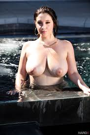 Nude Share nsfw Noelle Easton