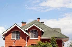 Das Grüne Dach Des Schönen Haus Mit Schönen Fenster Und Blauer