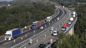 Doba výstavby silnic a dálnic by se měla zkrátit o třetinu. Vláda chce  rychleji vyvlastňovat pozemky | Hospodářské noviny (iHNed.cz)