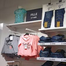 wall mounted display rack fashion