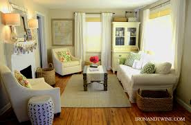 Small Living Room Decorating For An Apartment Small Living Room Decorating Ideas For Apartments Thelakehousevacom