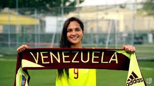 Resultado de imagen para La futbolista más joven de la historia en ser finalista del Balón de Oro/The Best femenino. La venezolana Deyna Castellanos ??