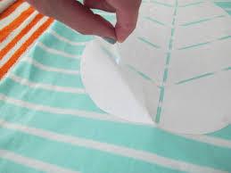 Making Shirts Learn How To Make Custom Shirts Using Diy Vinyl Cutouts How Tos Diy