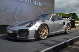 2018 porsche gt2 rs. simple porsche 2018 porsche 911 gt2 rs front three quarters on porsche gt2 rs
