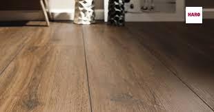 Sie wünschen sich einen robusten und pflegeleichten vinylboden, möchten aber nicht auf die wohnliche. Designboden In Holzoptik Und Steinoptik Disano By Haro