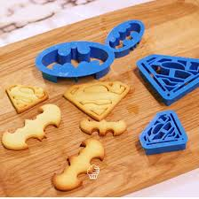 Cake Decorating Accessories Wholesale 100pcs Batman Superman Fondant Cake Decorating Tools kitchen 33