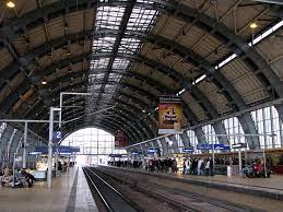 Bahnhof Alexanderplatz   de.wikipedia.org/wiki/Bahnhof_Berli…