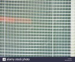 Die Fenster Gegen Bruch Durch Einen Gestrickten Schützendes Netz