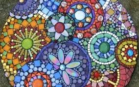 mosaic garden decorations stepping stones stained glass stone patterns decoration ideas