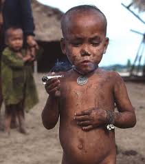 نتیجه تصویری برای کودک و سیگار