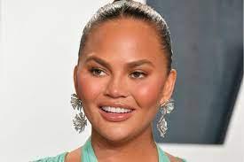 Chrissy Teigen: Neues Gesicht dank ...
