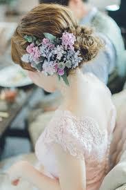 春ウェディングにお花をアレンジした花嫁ヘアスタイル11選 Arch Days