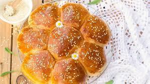 Resep kue tanpa oven yang pertama ini sudah pasti jadi favorit semua orang! Resep Milk Bread Roti Sobek Ala Jepang Yang Fluffy