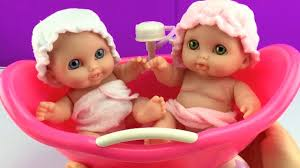 twin baby dolls bathtime lil cutesies babies bathtub w shower how to bath a baby doll toy s you