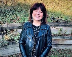 Shaz's Book Blog: Author Interview: Sue Bentley