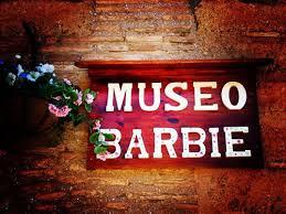 Resultado de imagen para barbie en el museo