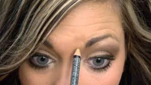 forehead rashes due to makeup