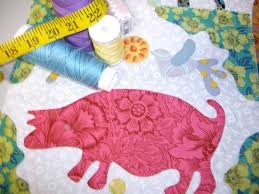 Looking for quality quilts call Quiltsamore today! Beautiful ... & pig shape design Adamdwight.com