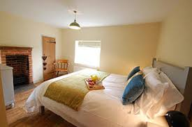 This Beautiful Self Catering Holiday Cottage Features Two Bedrooms, One  With A King Size Bed And An En Suite, The Other With A Single/twin Beds.
