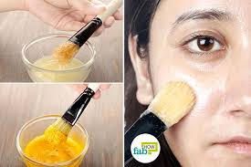 use homemade egg white masks to get toned and flawless skin