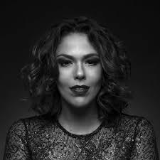 Nani Medeiros: albums, songs, playlists   Listen on Deezer