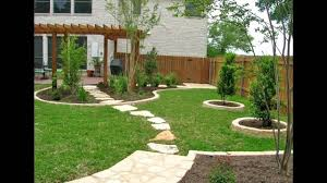 ... Landscape, Marvellous Green Square Traditional Grass And Stone Home Landscape  Design Decorative White Stone Floor ...