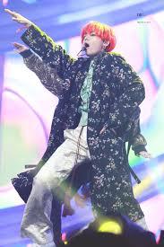 Banyak artis dan kelompok musik pop korea sudah menembus batas dalam negeri dan populer di mancanegara. V Melon Music Awards 2018 Daegu Korea Korea Selatan