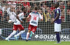 Anderlecht met 4-2 onderuit bij Kortrijk, Kompany blijft achter met 2 op 12  | Foto