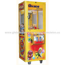 Claw Vending Machine Cool Taiwan Coinoperated Game LED Credit Crane Machine OKF48 Arcade