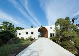 17 of 17 arch wall house by naf architect design