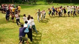 Juego creativo, cooperativo, en círculo por parejas a partir de 8 años de 6 a 50 jugadores interior/exterior +20 minutos materiales: 15 Divertidas Actividades Para Hacer Con Ninos Al Aire Libre Gastandote Muy Poco