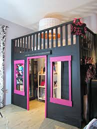 you would just add closet rods around the inside and boom you have a stand alone walk in closet in your room too