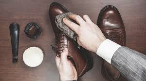 how to clean shoes men