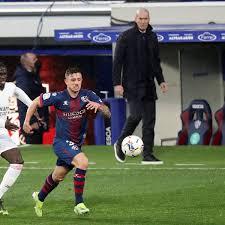 Liga | Raphaël Varane resucita al Real Madrid en Huesca