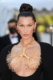 Bella Hadid goes topless with bare ...