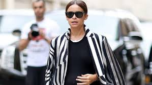 22 <b>Outfit</b> Ideas to Be the Chicest Pregnant <b>Woman</b> in Your <b>Office</b>