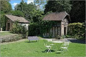maison elsa triolet aragon dans le jardin