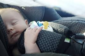 5 foolproof sleep tips for traveling this holiday season with a newborn infant or toddler