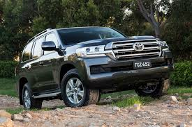 2017 Toyota LandCruiser 200 Review | WhichCar