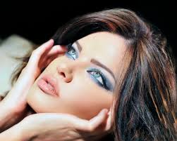 eye makeup tips and tricks for blue eyes
