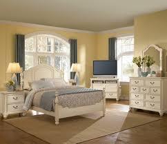 Old Fashioned Bedroom Furniture Vintage Cream Bedroom Furniture Edi Furniture
