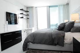 Apartment bedroom designs Mens Apartment Bedroom Decorating Ideas Homeologyco Apartment Bedroom Decorating Ideas Home Design Ideas