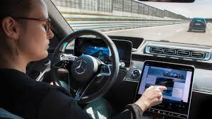 Even the technology used for digital light seems quite. 2021 Mercedes Benz S Class Tech Deep Dive It S A Trove Of Tech Autoblog